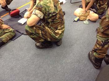米軍憲兵隊のファーストエイド訓練