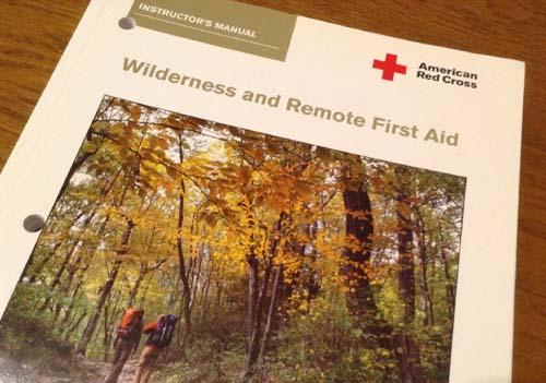 アメリカ赤十字のウィルダネス&リモート・ファーストエイド・インストラクターマニュアル